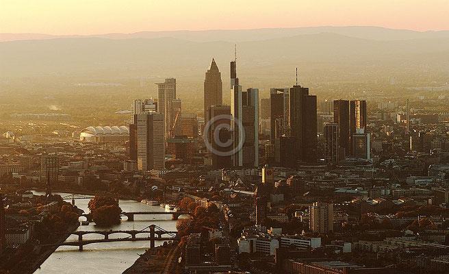 Skyline Frankfurt im Querformat 70