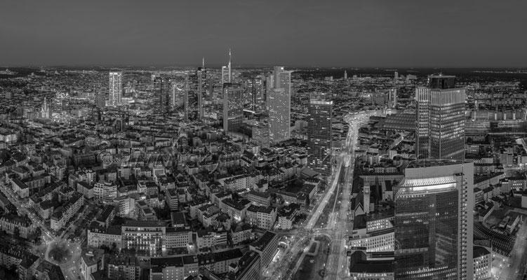Skyline Frankfurt Panoramafotos in Schwarzweiß 43