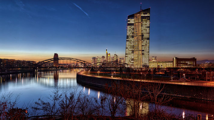 skyline-frankfurt-mit-ezb-0058