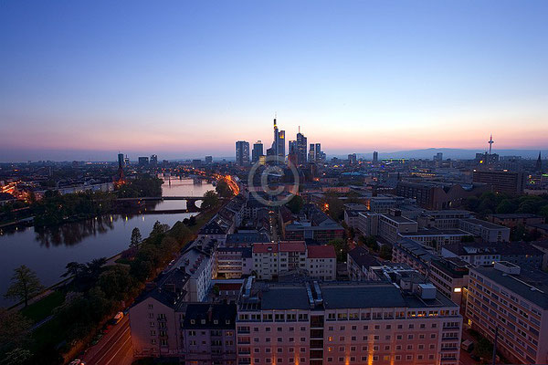 Skyline Frankfurt im Querformat 55