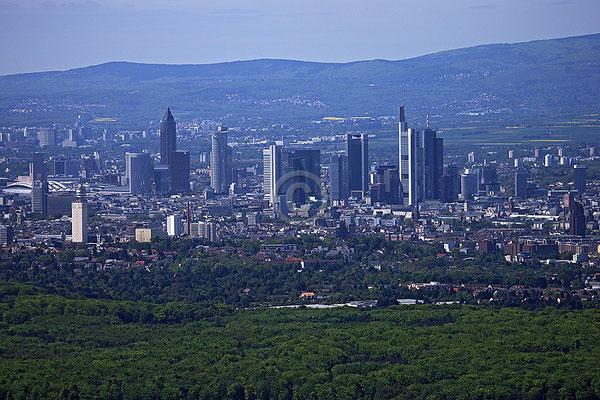 Skyline Frankfurt im Querformat 57