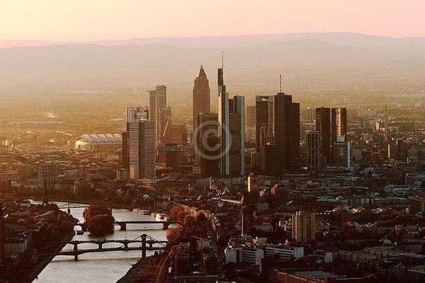 Skyline Frankfurt im Querformat 47