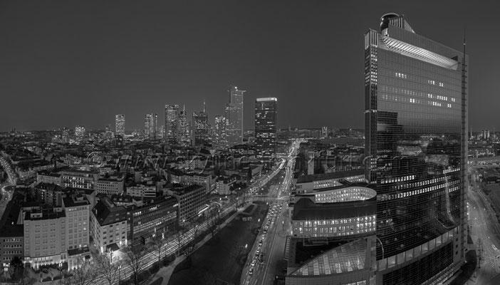 Skyline Frankfurt Panoramafotos in Schwarzweiß 45