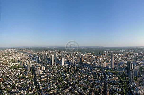 Skyline Frankfurt im Querformat 54