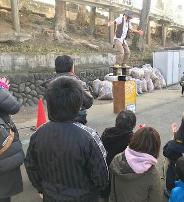 大道芸人のヒヨコさん