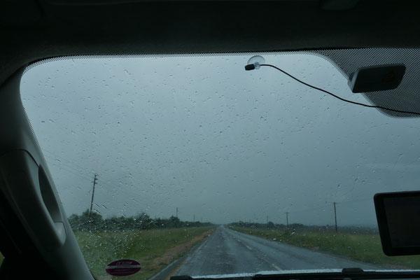 Regen in Südafrika, noch schlimmer als in Deutschland, aber für die Gegend wichtig!