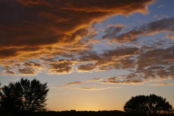 Langsam geht die Sonne auf.......