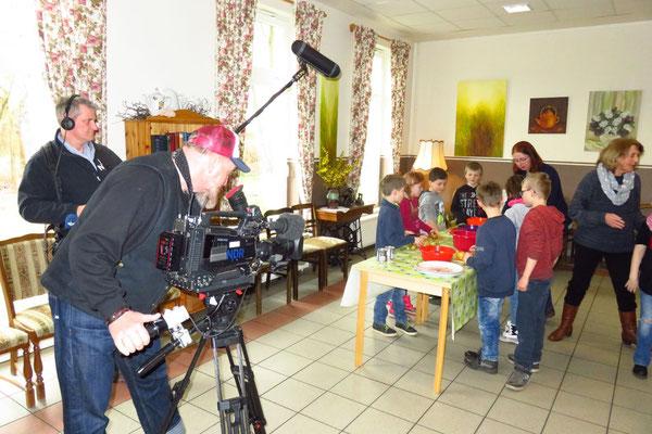 Filmarbeiten beim Obstsalat