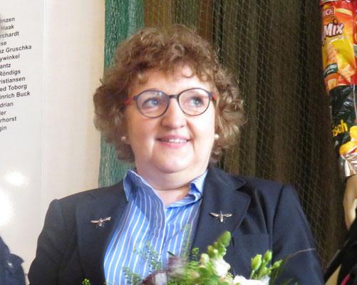 Annette Jaeger mit Silberner Biene links