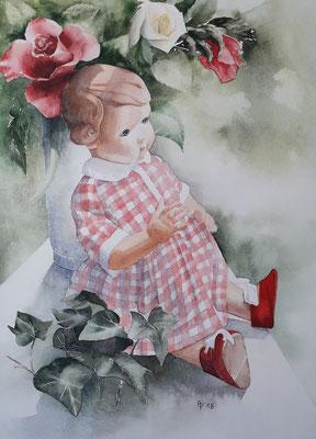Puppe am Fenster