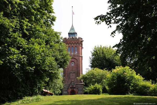 Auf unserer Fahrt in den Norden kommen wir beim Bismarckturm (Scheersberg) vorbei.