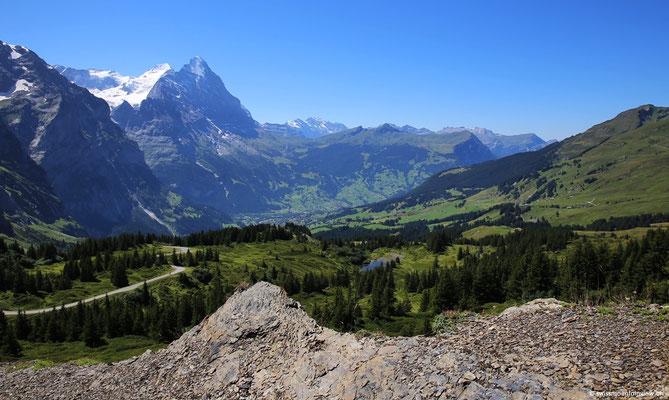 Hier hinunter nach Grindelwald mit der imposanten Eigernordwand vis-à-vis!