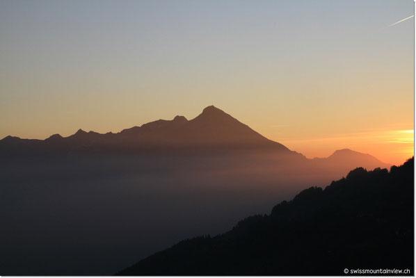 Auch hier im Berner Oberland gibt es farbenprächtige Sonnenuntergänge.