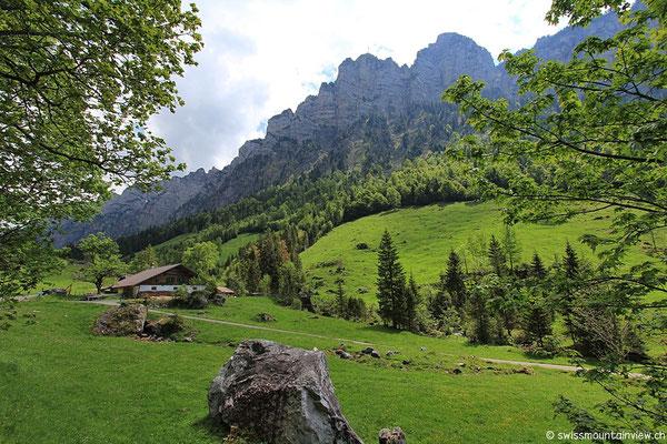 http://www.interlaken.ch/de/chaesteilet-justistal-beatenberg.html (Quelle: Interlaken Tourismus)