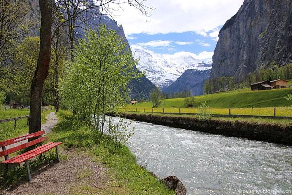 Der Lütschine entlang wandere ich Richtung Stechelberg.