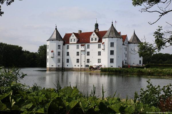 Leider fehlt uns dieses Mal die Zeit für eine Besichtigung, denn unser Weg führt uns weiter nach Dänemark.