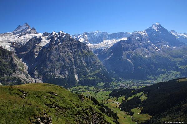 Der Blick vom Bergrestaurant hinunter nach Grindelwald.