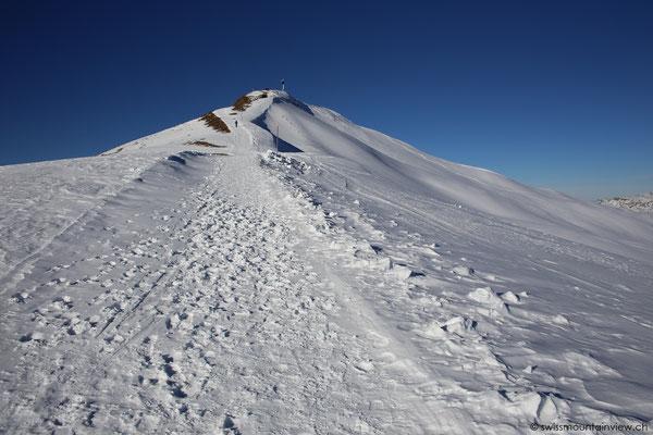 Wanderung hinauf zum Gipfel. Diesen erreicht man in ca. 30 Minuten.