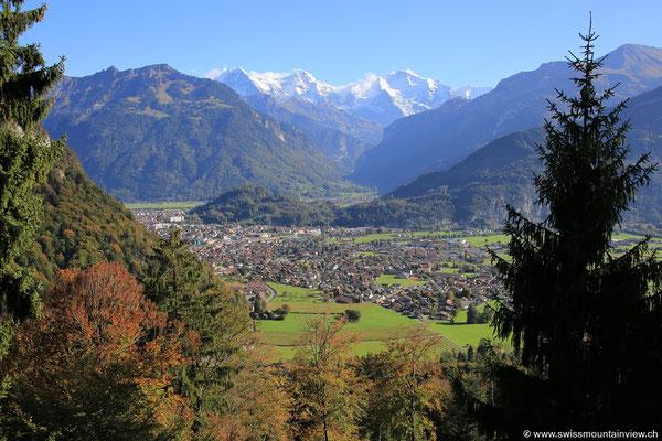 Rückfahrt auf den Beatenberg und Blick hinunter nach Interlaken