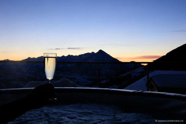 ...und zum Tagesausklang ein Gläschen im Whirlpool...