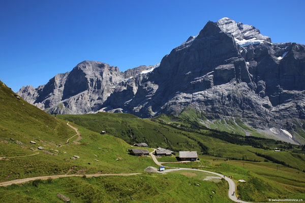 Blick zurück Richtung Wetterhorn und Grosse Scheidegg.