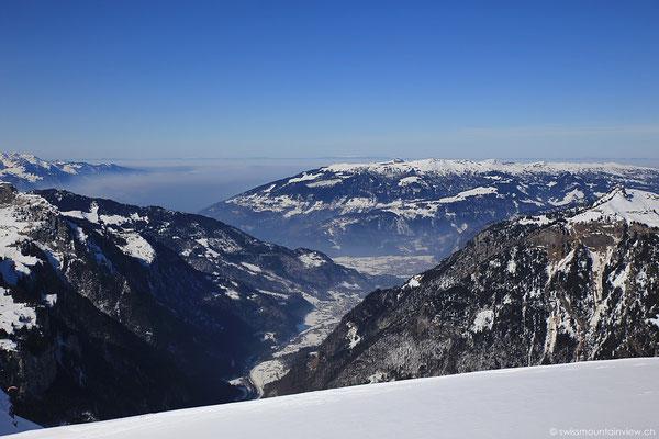 Von dort oben sieht man auch Richtung Beatenberg, Thun und das Mittelland.