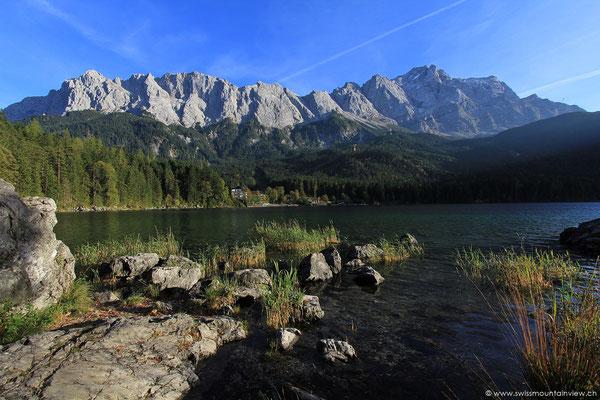 Eibsee bei Grainau und Zugspitzenmassiv