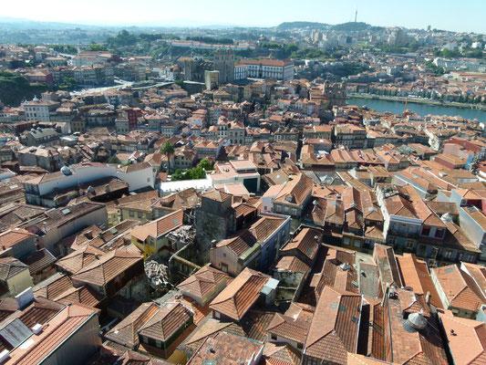Blick über Porto und man sieht nirgends Industrie
