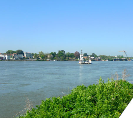 Fähre an der Loire