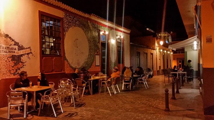 Eines der vielen kleinen Restaurantes...