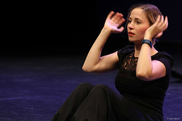 Charlotte Seither: Echos of O's   Valparaíso, Chile   AuditivVOKAL Dresden
