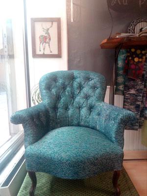 fauteuil crapaud capitonné tapissier décorateur Millau Au Petit Crin