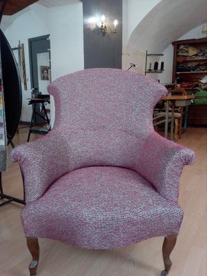 fauteuil crapaud  tapissier décorateur Millau Au Petit Crin