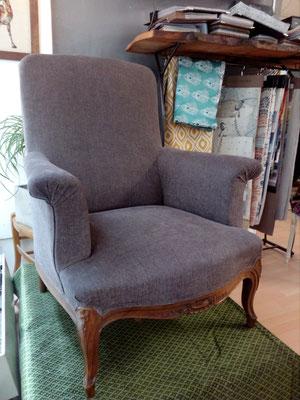 fauteuil anglais  tapissier décorateur Millau Au Petit Crin