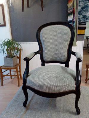 fauteuil Louis Philippe, tapissier décorateur Millau Au Petit Crin