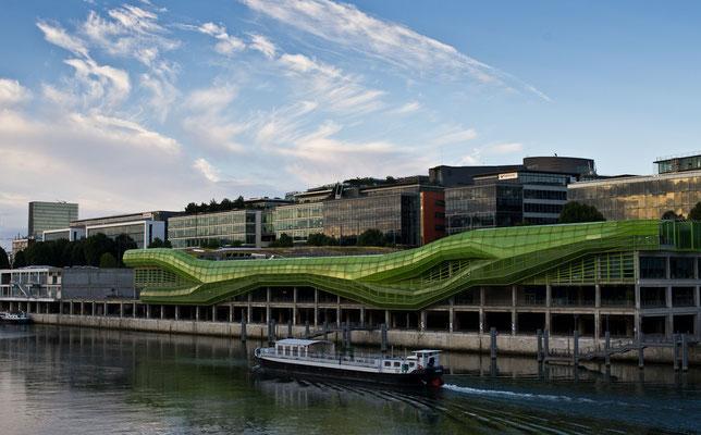 Paris, Pont Charles de Gaulle, Institut Français de la Mode