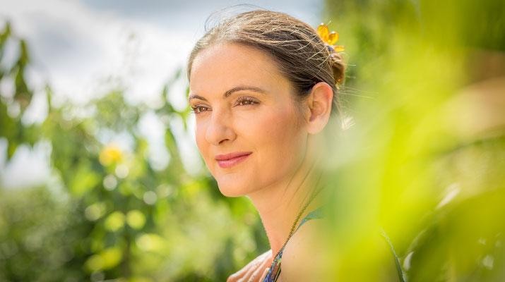 Beauty-Shooting in Erlangen in der Natur mit Frau aus Wien