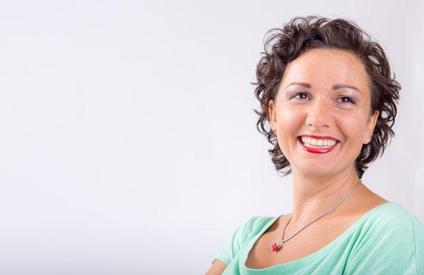 Portrait Fotograf für Frauen als Bewerbungsbild für Job und Karriere - Werbefotograf Erlangen