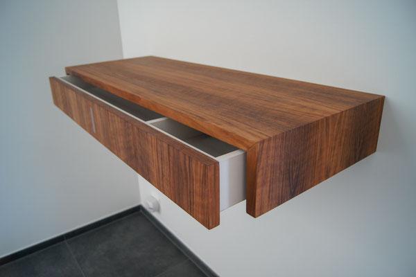 Sideboard in Nussbaum, geölt