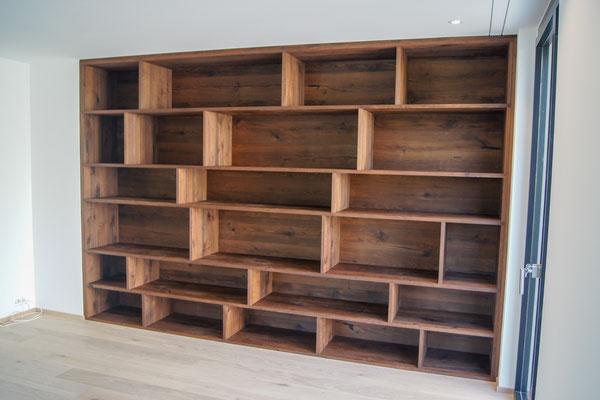 Bücherregal in Eiche rustikal, geölt