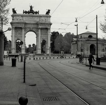 FAST WIE IN PARIS - ARCO DELLA PACE
