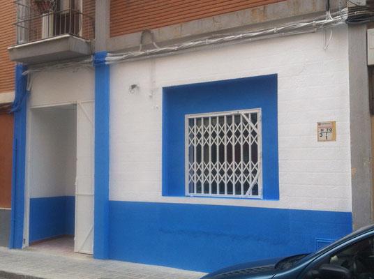 fachada rehabilitada y pintada