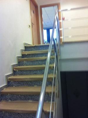 pintar escalera oficina