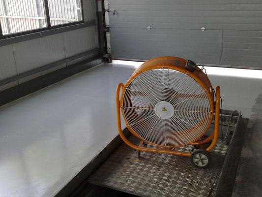 pintura para suelo garajes epoxi