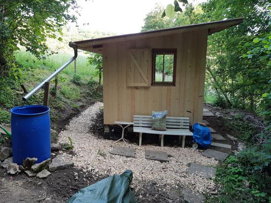 frisch saniertes Bienenhaus