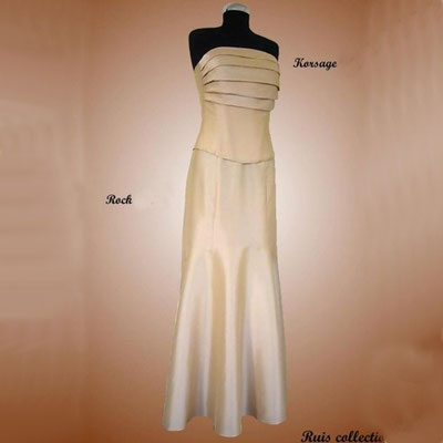 Elegantes zweiteiliges Abendkleid aus der Ruis Collection