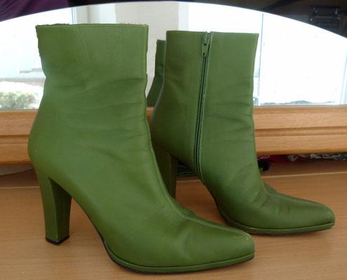 Lederstiefeltten in warmem Grün