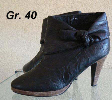 Günstige schwarze Stiefeletten Gr.40 in Leder-Optik