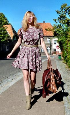 Party-/Sommerkleid von Club L, Gr. 40 - UVP 49,95 € - bei uns nur 19,50 € zzgl. 4,50 € Versandkosten