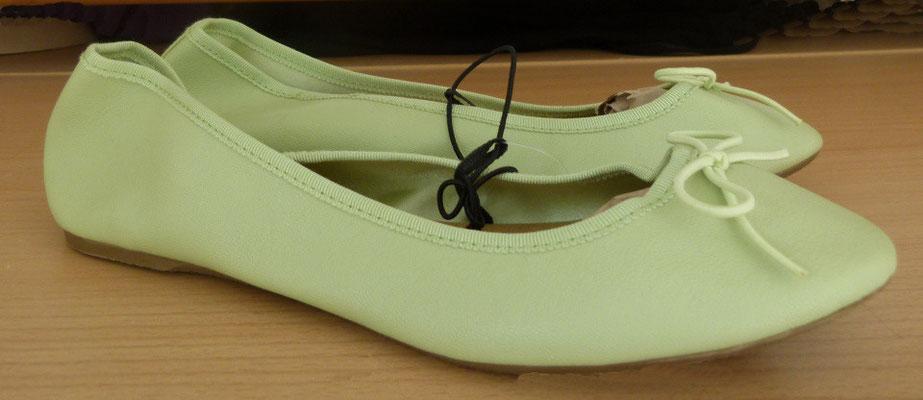 H&M Ballerinas hellgrün Gr. 38